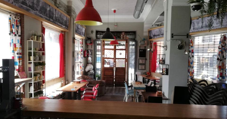 Local en alquiler en Sevilla - Calle Correduría | VELCASA, inmobiliaria en Sevilla